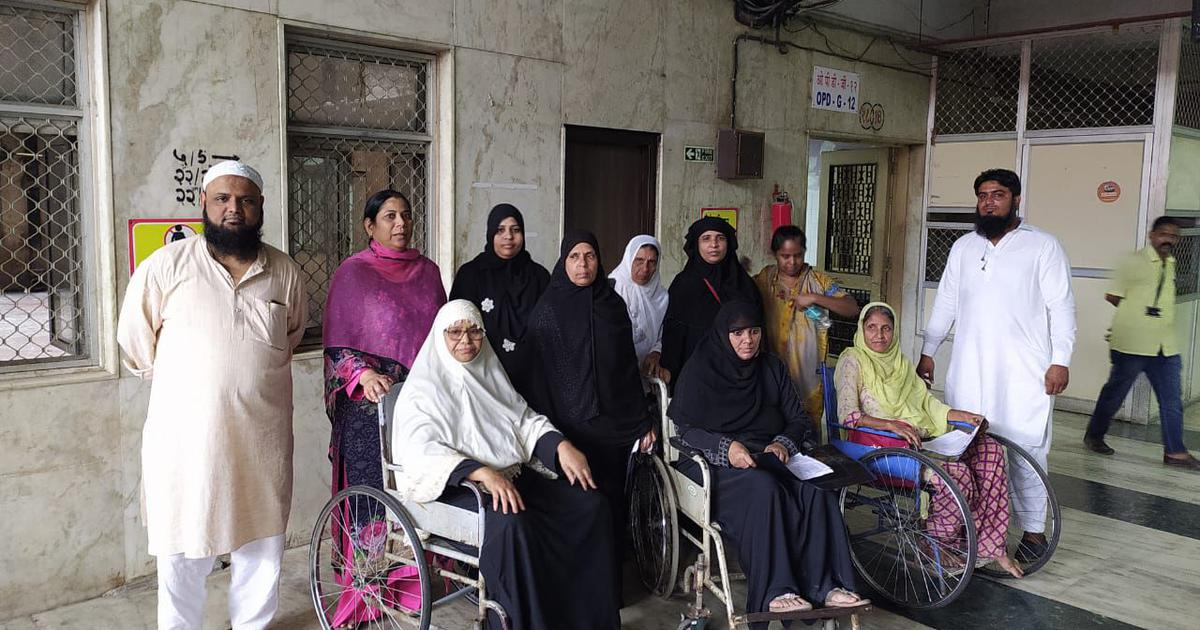 'Mumbai Bagh': Women protesting against CAA, NRC allege they were beaten up by the police