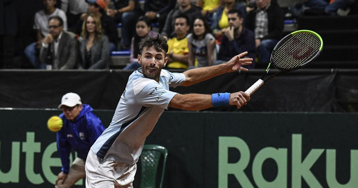Fist bumps replace handshakes, sweaty towels off limits in Davis Cup