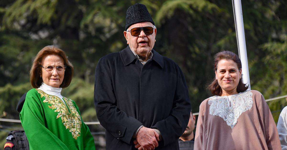 J&K: After release, Farooq Abdullah says he won't speak on politics until all others are freed too
