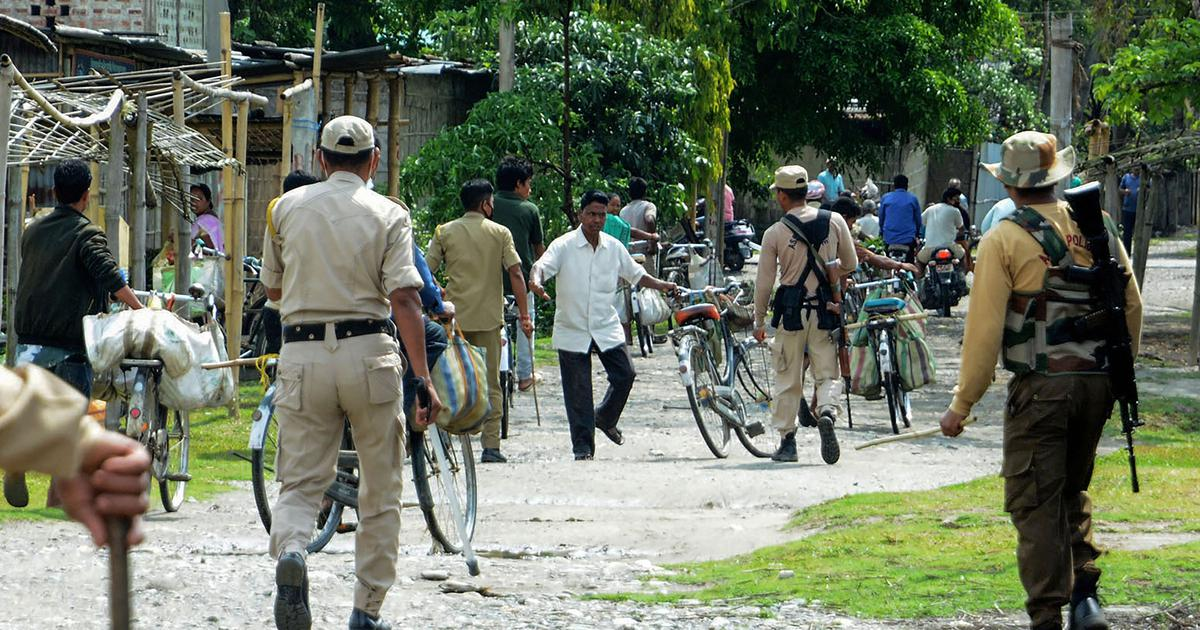 Meghalaya residents protest against Assam police over electricity poles set up in Ri Bhoi district