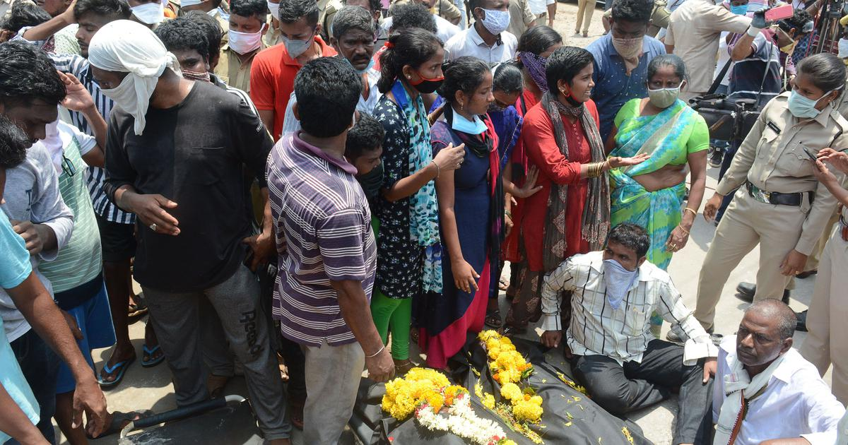 Vizag gas leak: Protestors put bodies in front of LG Polymers gate, demand closure of plant