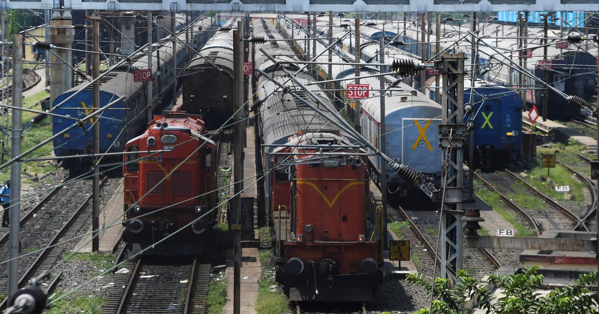 Covid-19: Railways allows 'Shramik Special' trains to run at full capacity, have upto 3 stoppages