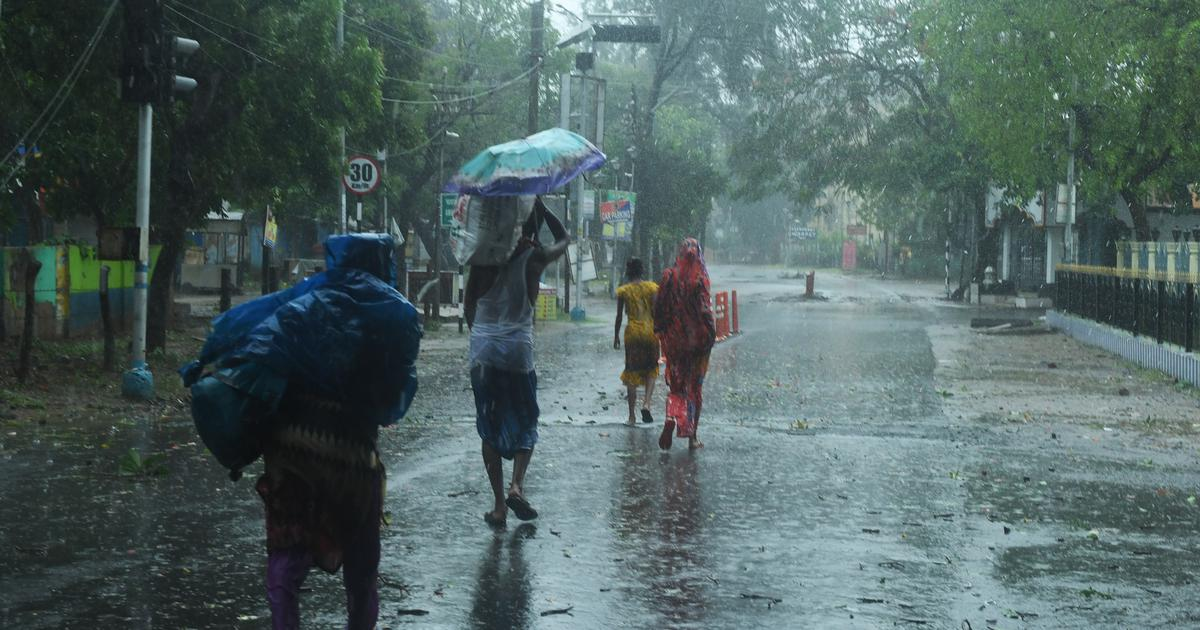 At least three killed as Cyclone Amphan pounds Bengal, CM says impact worse than coronavirus