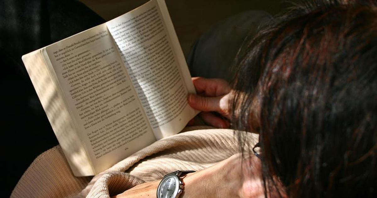 Having trouble reading during lockdown? Here's how to overcome it