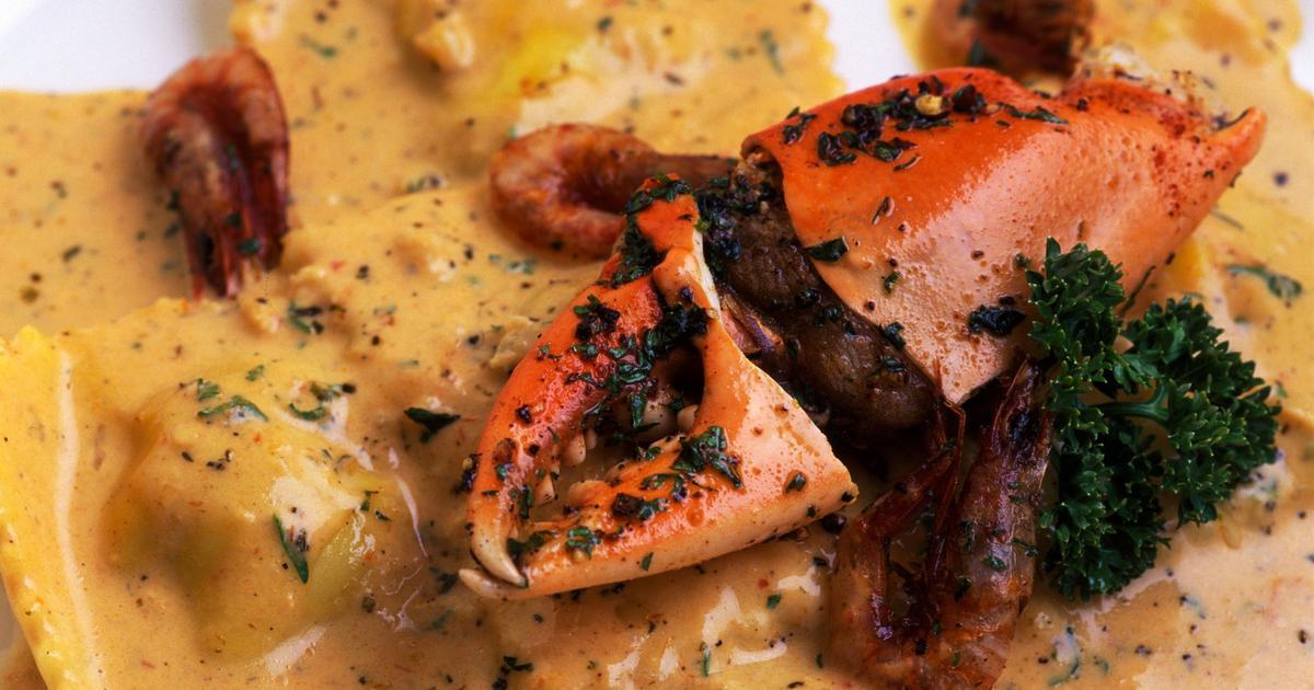 Saffron Crab Ravioli, Crab Claw, Crunchy Chili Shrimp And Roast Bell Pepper Cream