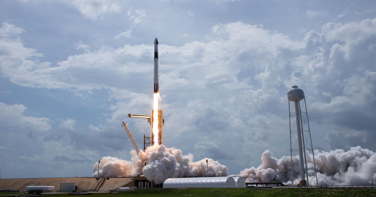 Here's how Elon Musk's SpaceX sent two astronauts into space