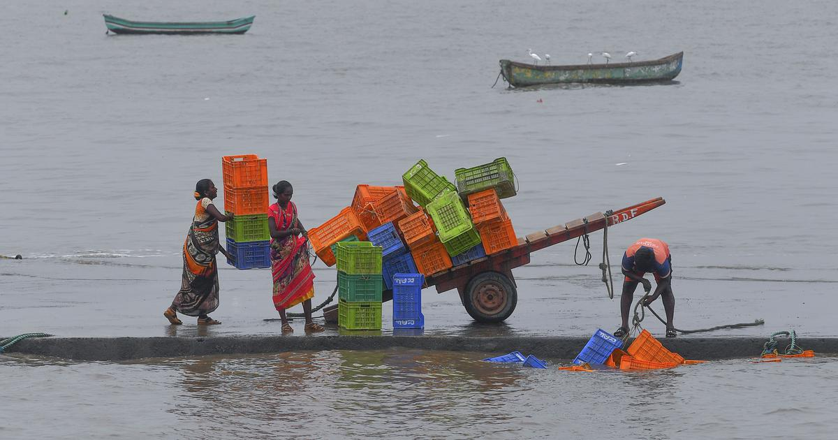 Cyclone Nisarga to make landfall near Alibag today afternoon; Mumbai braces for heavy rainfall