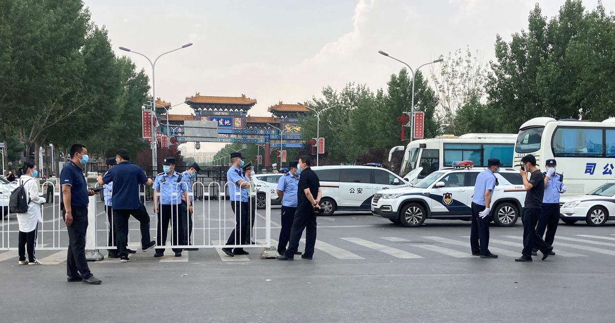 Fears of second wave as new cases emerge at Beijing market