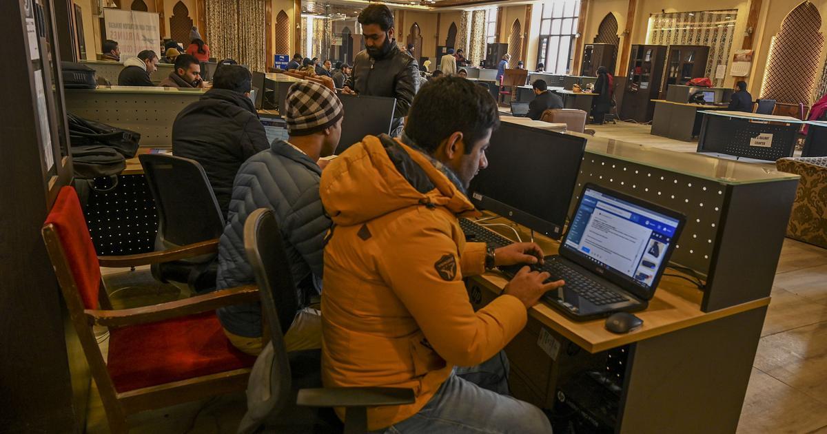 Jammu and Kashmir: Rights group calls communications blockade 'digital apartheid'