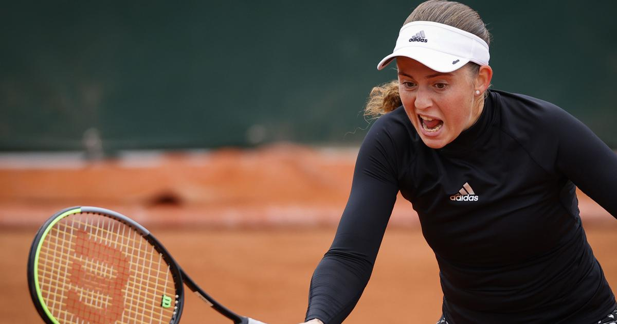 Kenin huffs and puffs into French Open third round