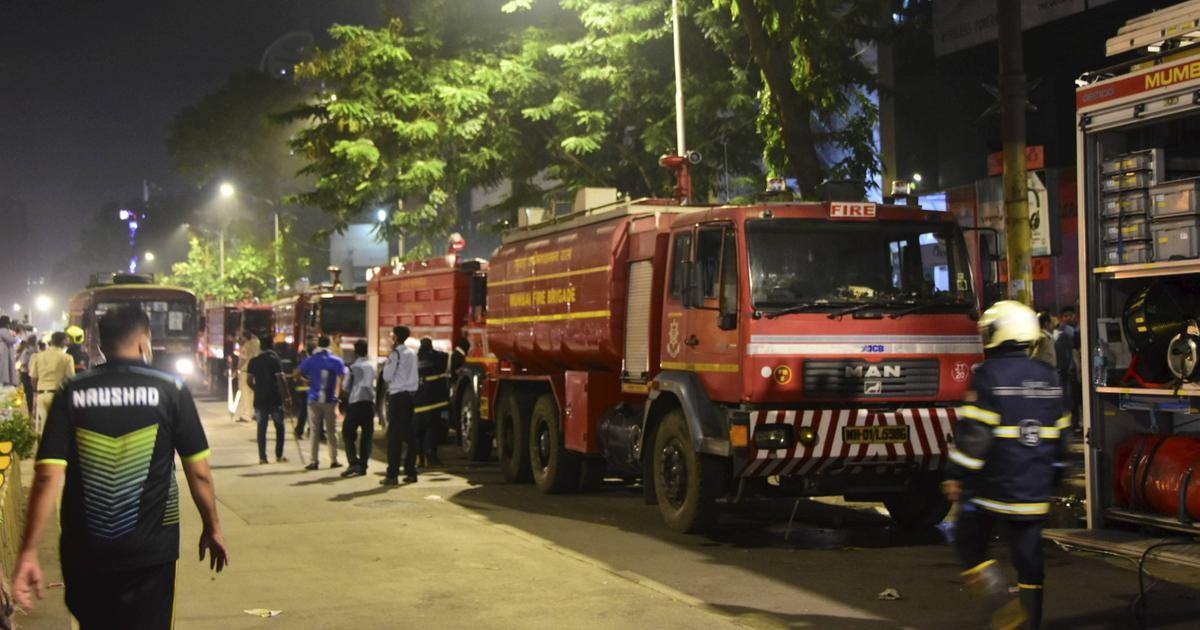 Over 3,000 Mumbai residents evacuated as fire breaks out in Nagpada mall, one firefighter injured