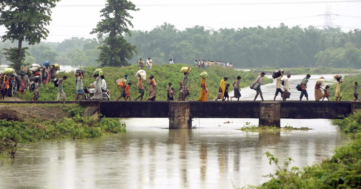 River in disequilibrium: How engineering attempts to 'tame the Kosi' have only added to human misery