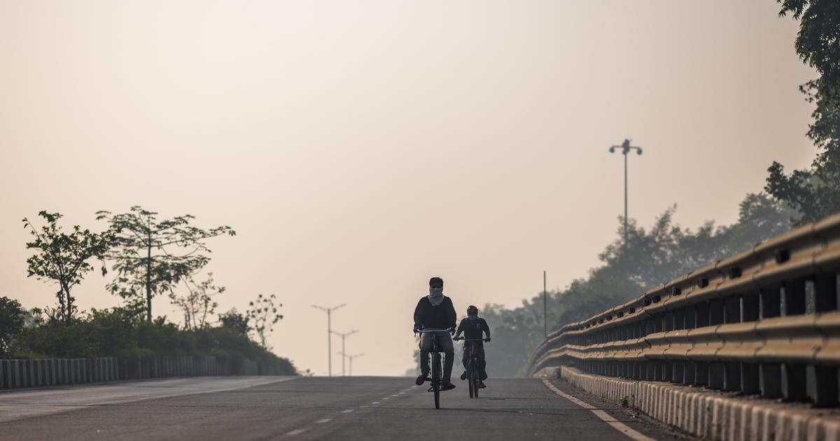 Delhi records minimum temperature of 12.5 degree Celsius, lowest in October in 26 years