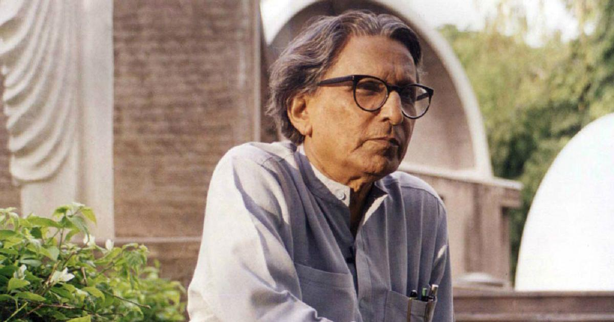 What influences led architect Balkrishna Doshi to design 'a campus with no doors'?