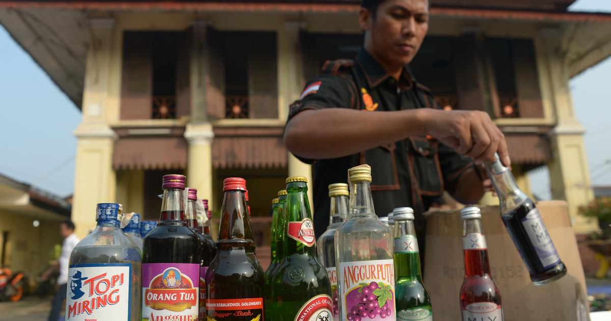 Indonesia's ban on alcohol could come with its own health risks