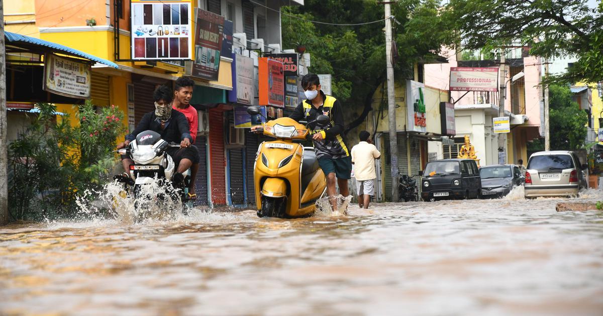 In photos: As Cyclone Nivar makes landfall, Tamil Nadu and Puducherry face the brunt