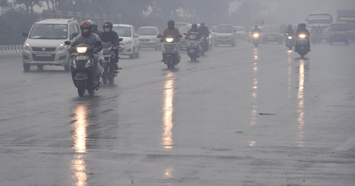 Rain lashes Delhi, nearby areas; flight services may be affected