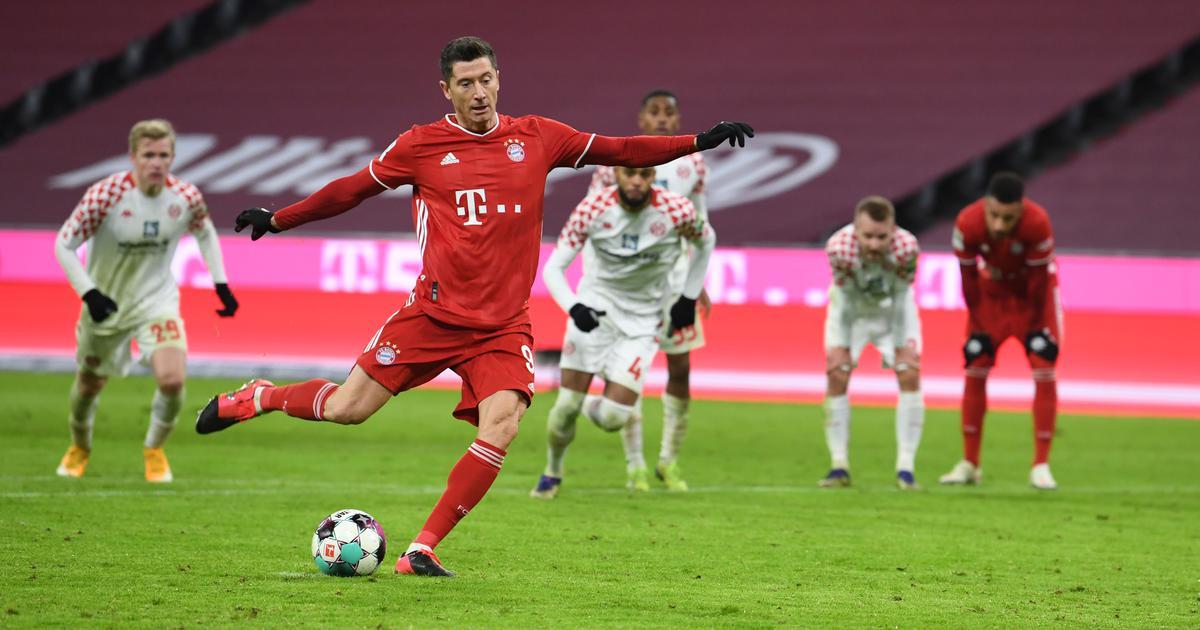 Bundesliga: Lewandowski stars as Bayern Munich thump Mainz; Sancho helps Dortmund beat Wolfsburg
