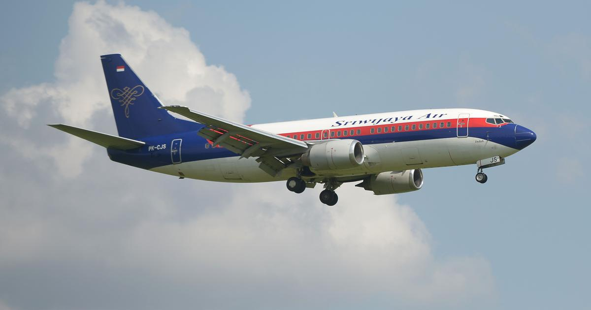 Sriwijaya Air Flight 182 lost contact minutes after taking off from Jakarta