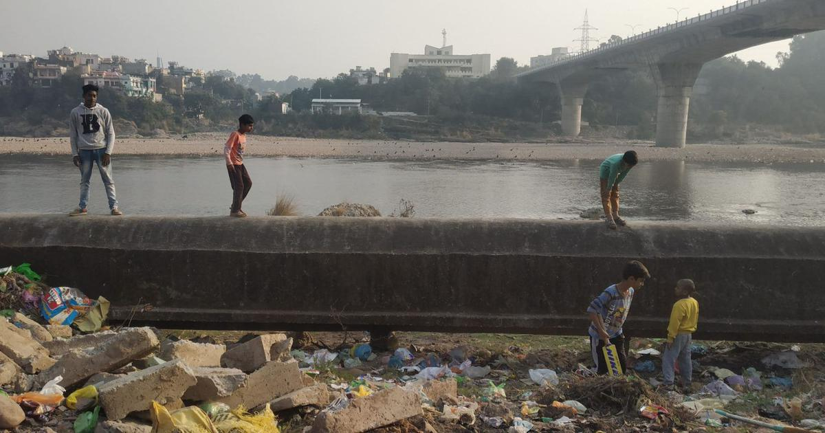 In Jammu, volunteers are cleaning up River Tawi with little government help