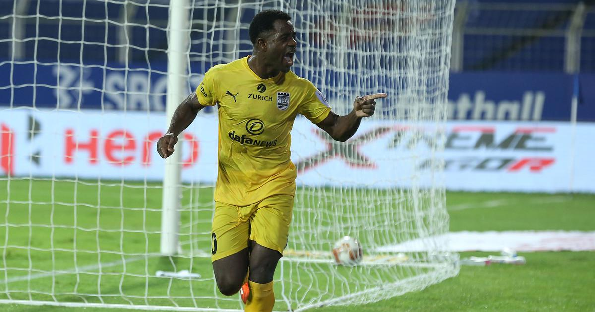 ISL: Mumbai City FC pull clear at the top of the table as Ogbeche's winner sinks ATK Mohun Bagan