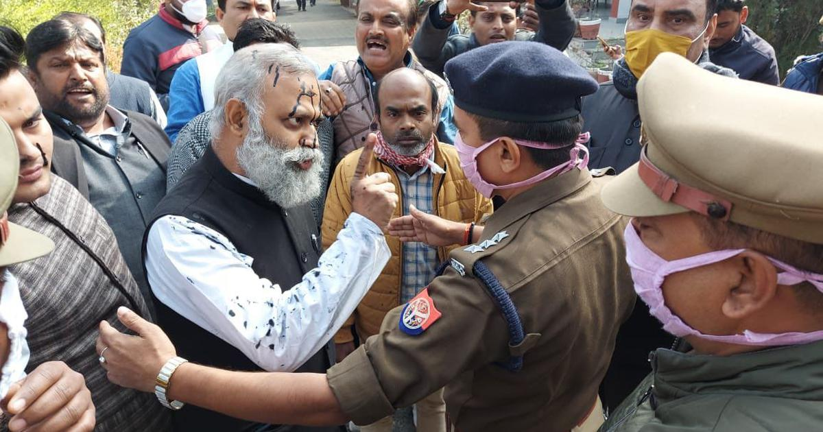 AAP MLA Somnath Bharti arrested in UP for remarks on Adityanath minutes after ink was hurled at him