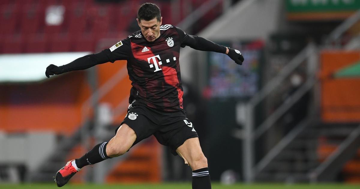 Bundesliga: Lewandowski claims another goal milestone as Bayern extend lead, Dortmund win