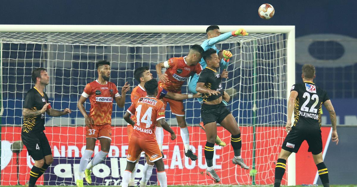 ISL: Ten-man FC Goa thwart late East Bengal surge to hold on for a draw