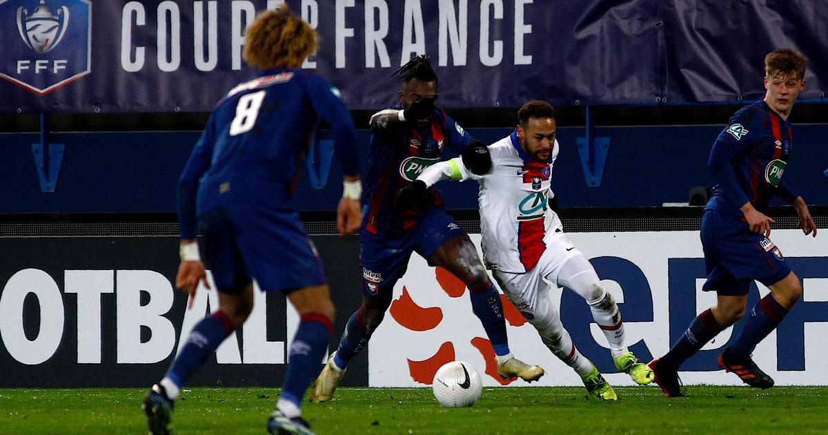 French Cup: Moise Kean helps PSG beat Caen as Neymar walks off with injury