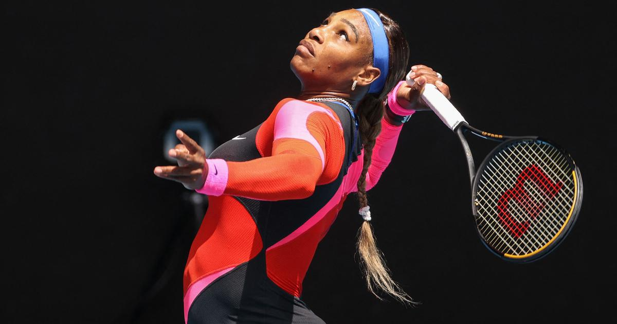 Australian Open: Serena Williams overpowers Simona Halep to set up Naomi Osaka semi-final