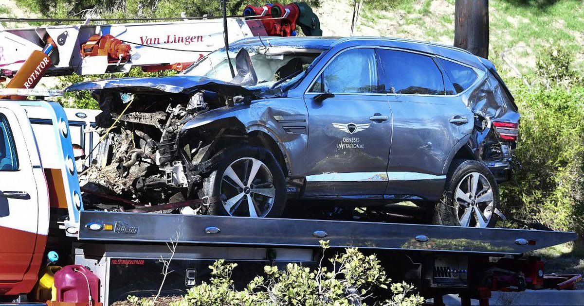 Golf: Tiger Woods in surgery after roll-over car crash