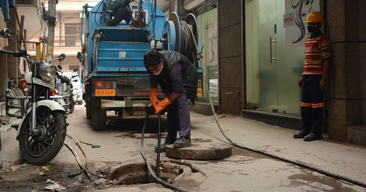 Delhi is trying to end manual scavenging by using sewer cleaning machines. Are its efforts working?