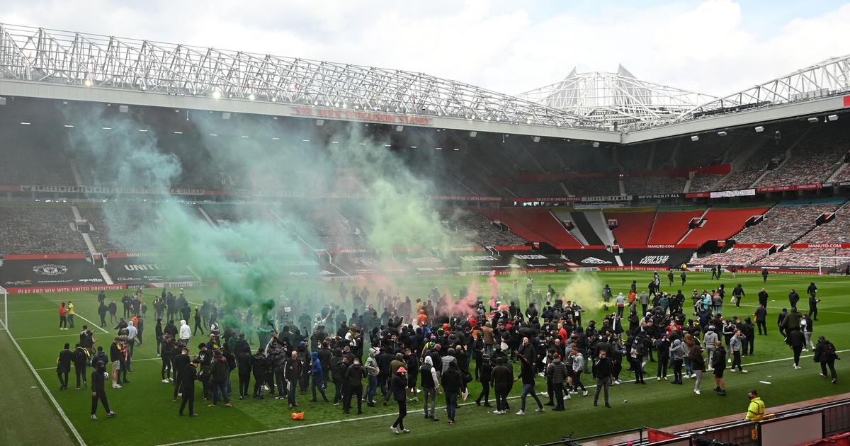 Watch: Manchester United fans storm Old Trafford pitch in anti-Glazer protest