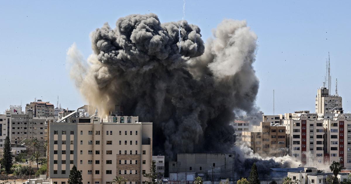 Israel strikes Gaza building housing international media offices