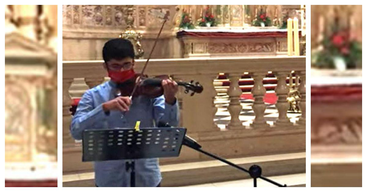 Stranded in Budapest, teenage Indian chess Grand Master Leon Mendonca seeks solace in the violin