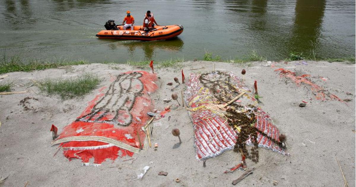 UP: Bodies emerge in Prayagraj river banks as graves open up due to rise in Ganga water level