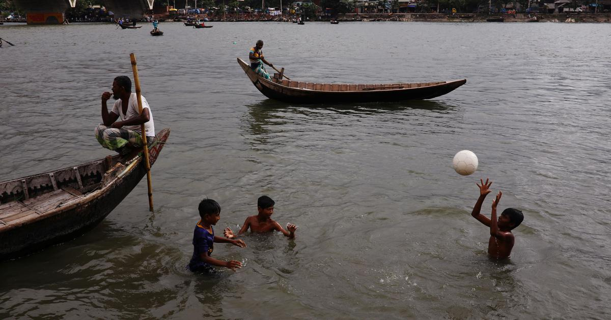 In Bangladesh, musicians sing songs of loss and longing caused by climate change
