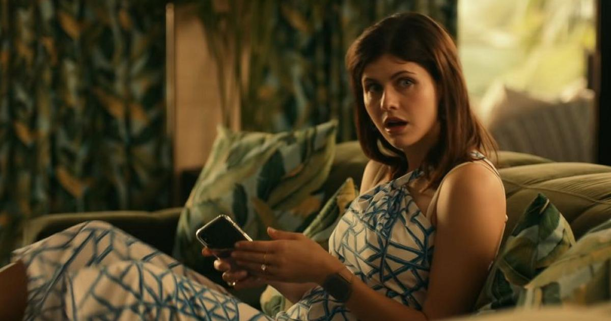 'The White Lotus' review: Cutting satire is a guest at an exclusive holiday resort in Hawaii