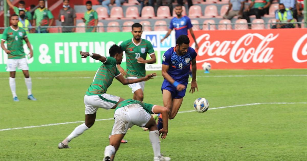 SAFF Championship: Sunil Chhetri on target again but ten-man Bangladesh hit back to hold India