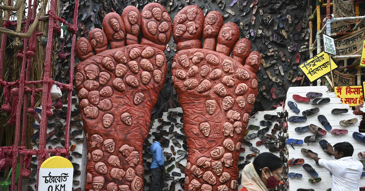 Kolkata Durga Puja organisers get legal notice for using slippers in pandal to show farmers' plight