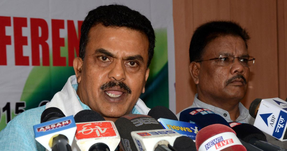 Mumbai: Sanjay Nirupam lashes out at Milind Deora after Urmila Matondkar's letter is leaked