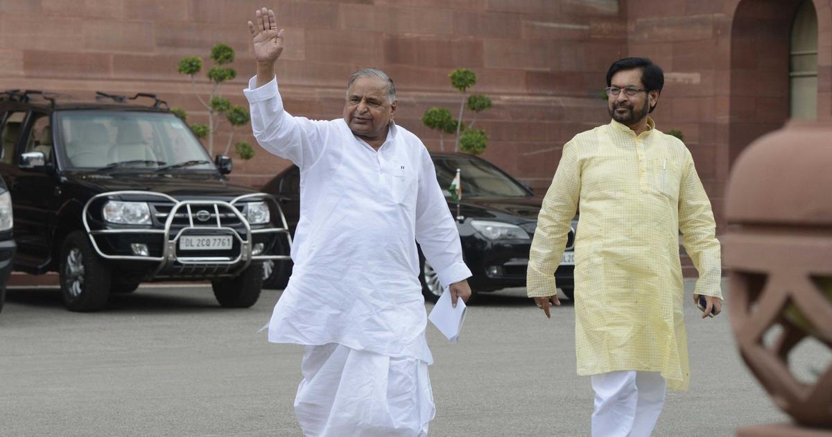 Stumped by Mulayam Singh Yadav praising Narendra Modi, Samajwadi Party leaders scamper for excuses