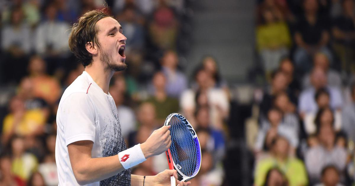 Qualifier Daniil Medvedev stuns local favourite Kei Nishikori to win Japan Open