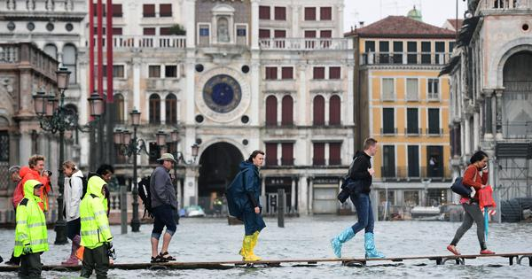 Italy: Five dead in strong winds and heavy rain, three quarters of Venice flooded