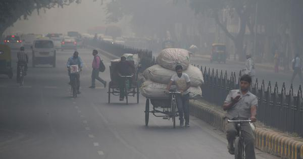 Delhi's air quality remains 'very poor', likely to worsen over the weekend