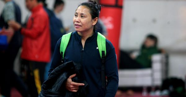 India coach questions referee's decisions against Sarita, Saweety at women's boxing world c'ships