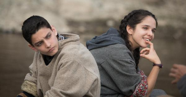 नो फादर्स इन कश्मीर : कश्मीर का जरूरी सच दिखाती फिल्म जो कुछ गैरजरूरी पेचीदगियों से बच सकती थी