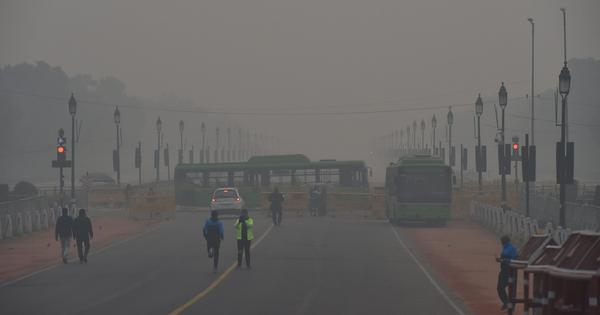 Thick fog envelops Delhi and NCR, train and flight operations disrupted due to low visibility
