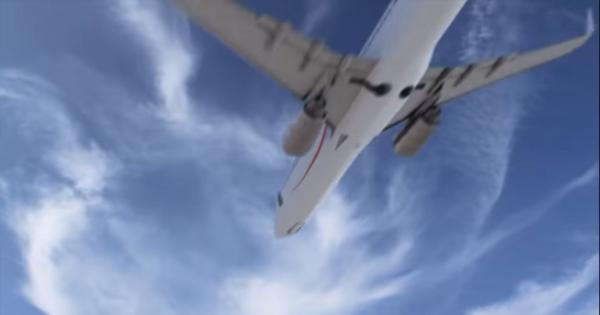 Watch: Mexico's largest airline trolled Donald Trump's border strategy with this advertisement