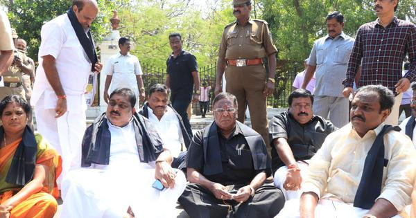 Puducherry CM, Cabinet continue sit-in protest outside Raj Nivas; L-G Kiran Bedi calls it unlawful